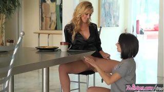 Blonde milf (Cherie DeVille) eats (Darcie Dolce) for breakfest – Twistys