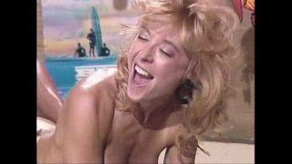 Nina Hartley – bikini retro yorugua